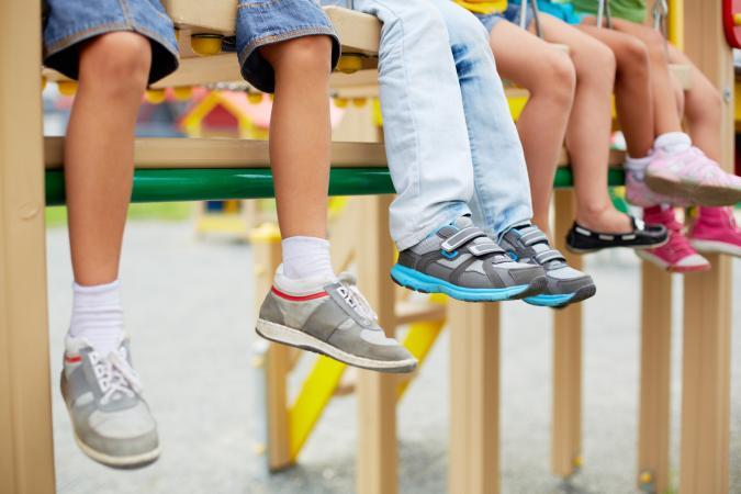 Обувь на детских ножках