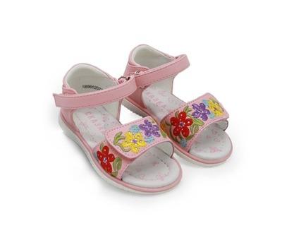 4eccb21280b868 Босоножки Сказка для девочек розовые украшенные цветочками