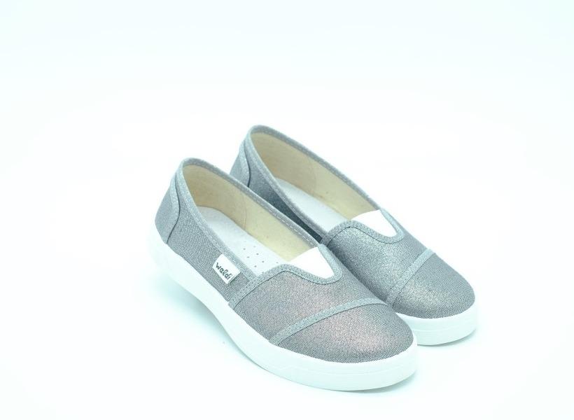 c38074f6c0634a Слипоны Waldi для девочек серебро текстиль 37 размера - купить в ...